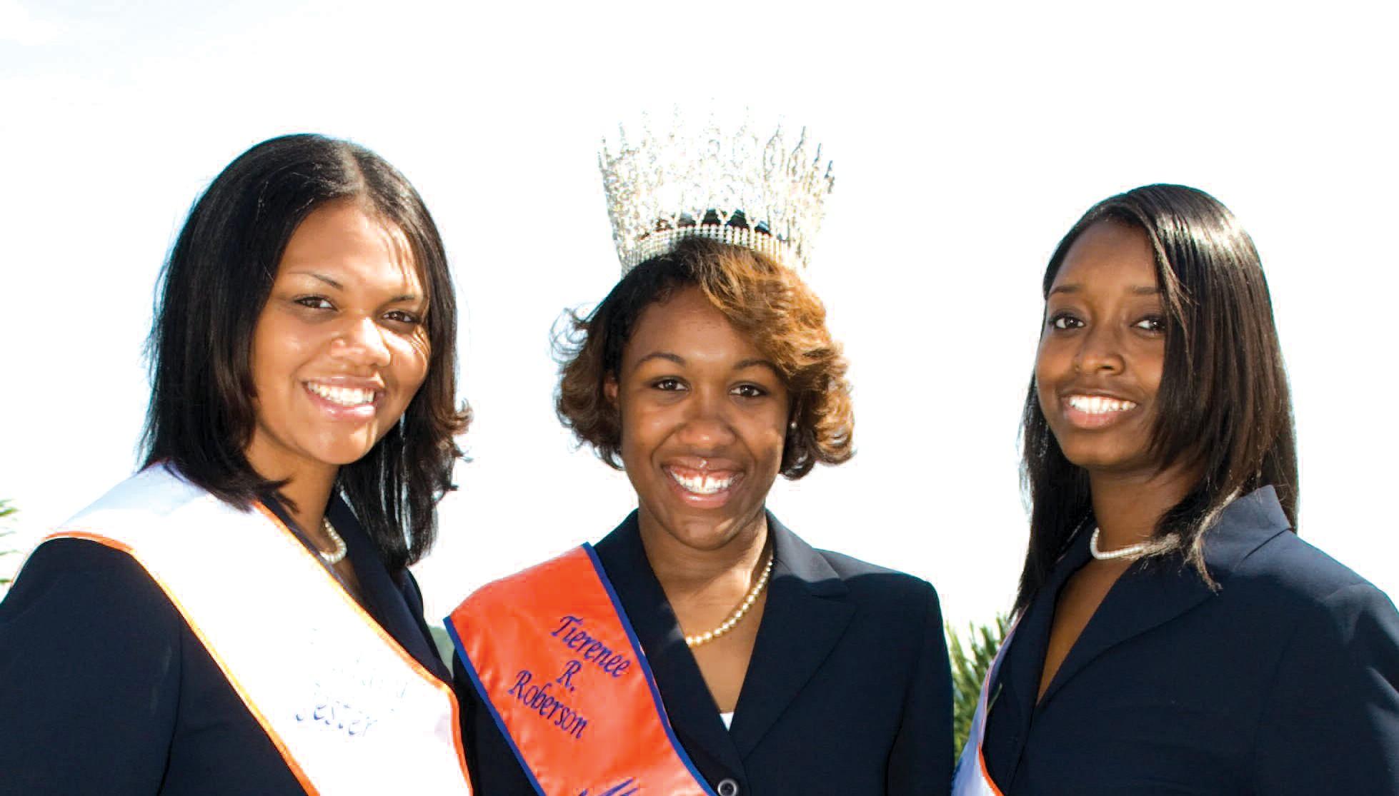 L-R: Brittany Jester, First Attendant to Miss SSU, Tierenee Roberson Miss SSU 2009-2010, and Jasmine Raglin, Second Attendant to Miss SSU