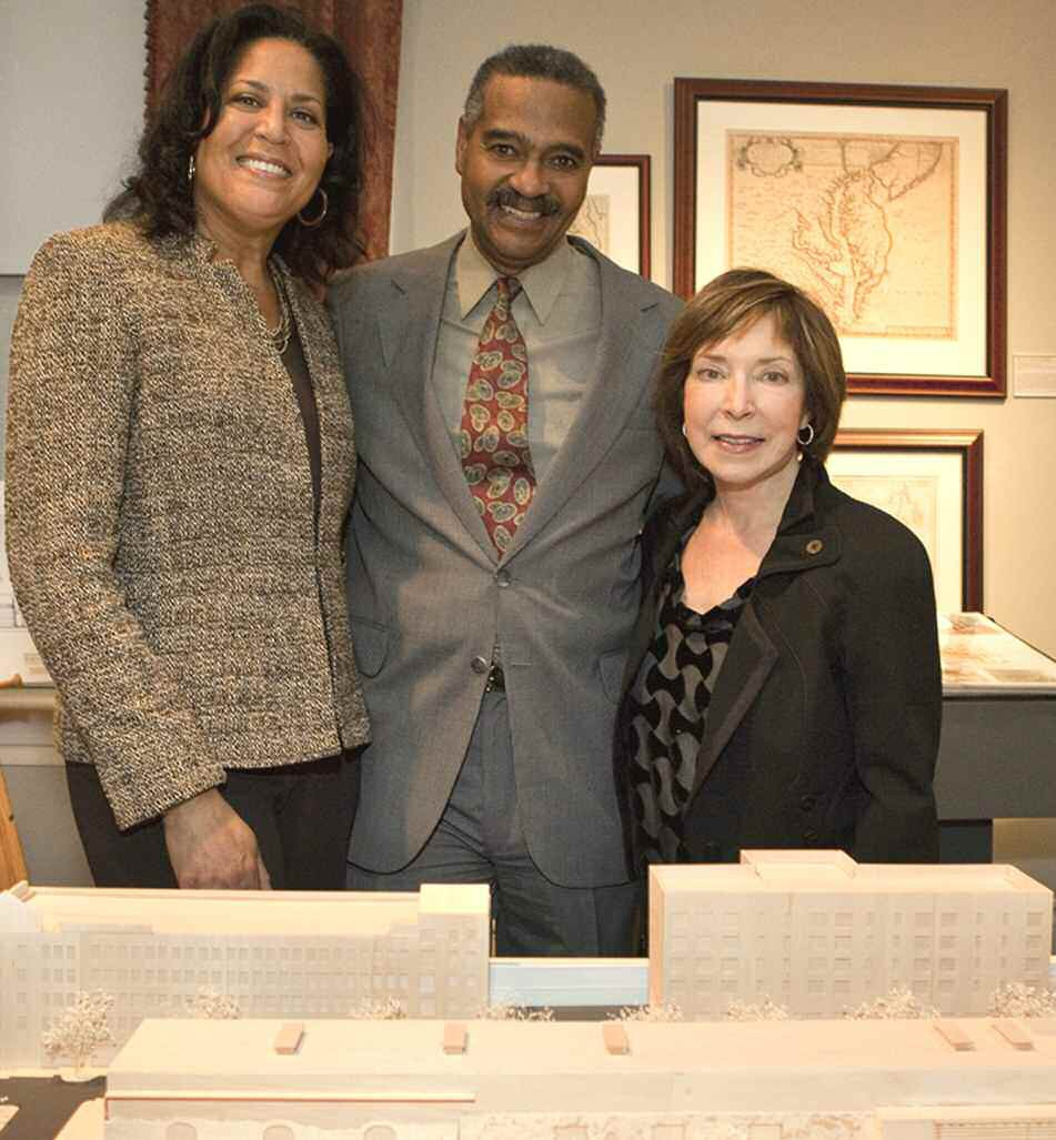 L-R: Mrs. Linda Evans, Dr. Walter O. Evans and SCAD President Paula Wallace. Image by Adam Kuehl, courtesy of SCAD.
