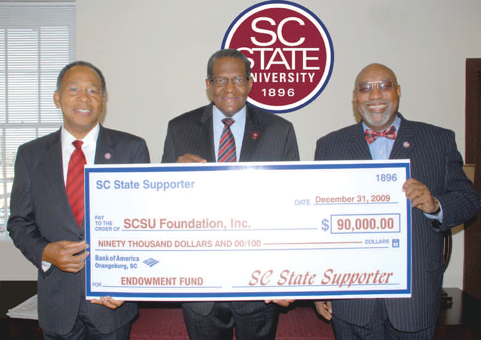 (L to R) Dr. Jackie Epps, former interim vice-president of Institutional Advancement; Dr. George E. Cooper, president of SC State University; and Dr. Rodell Lawrence, assistant vicepresident of Alumni Relations