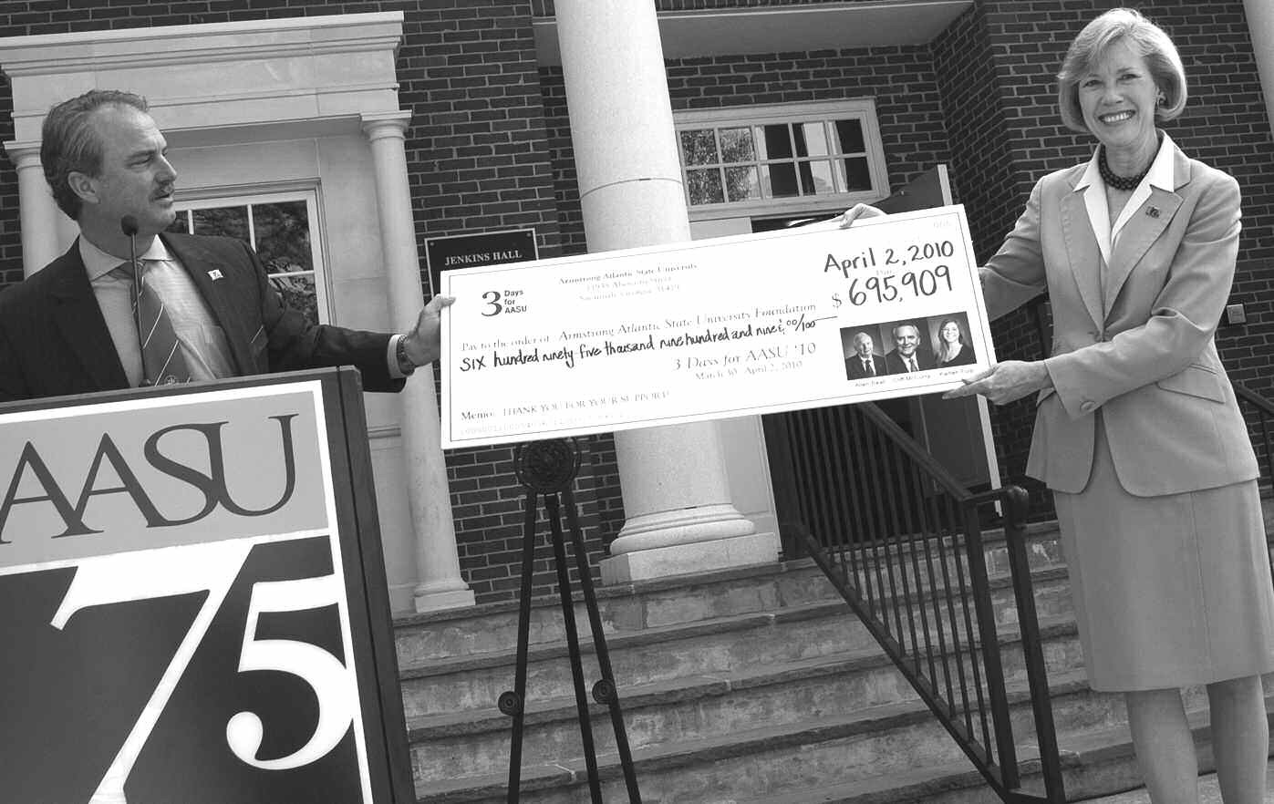 John Helmken, CEO and president of Savannah Bank and chair of the AASU Foundation Board, presented a check for $695,909 to AASU President Linda Bleicken.