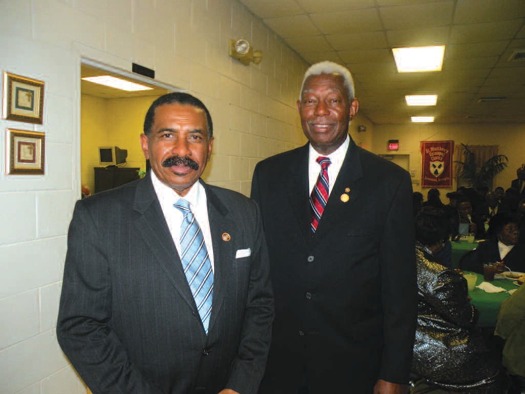 President Al Scott (L) is pictured with First Vice President Richard Shinhoster