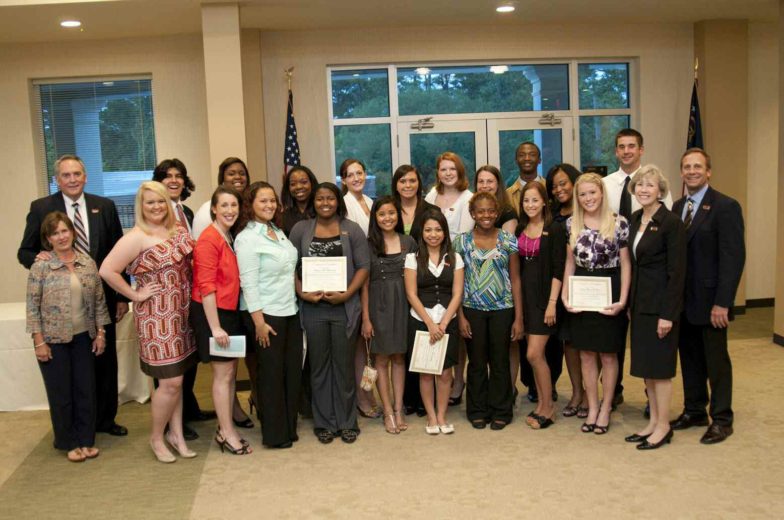 The Nick Mamalakis Emerging Leader Class of 2011 with Mr. and Mrs. J. Cliff McCurry, (far left); Armstrong President Linda Bleicken and Bill Kelso, interim vice president of student affairs, (far right); and assistant to the vice president Christine Sutton (fifth from left)