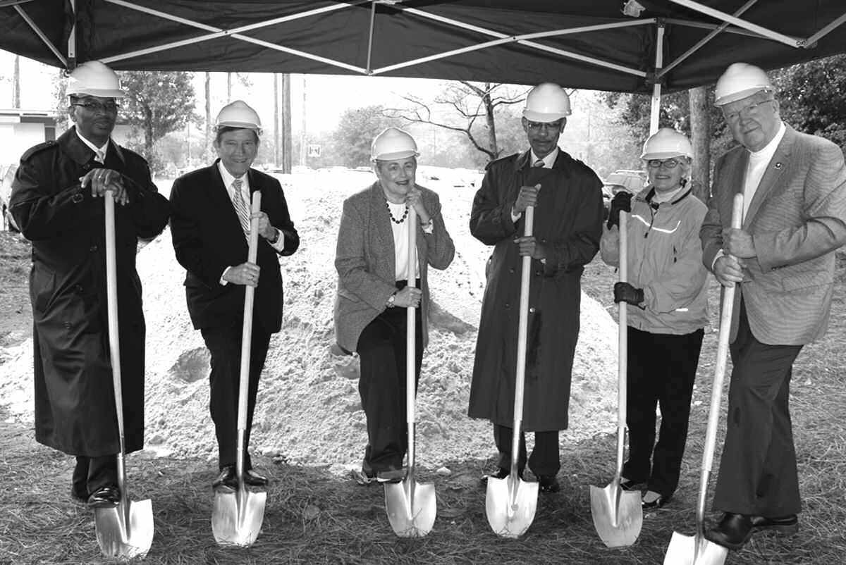 Left to Right: Chatham County Commissioner and incoming Chatham County Board of Health Chairman, Harris Odell, Jr.; Chatham County Commission Chairman, Pete Liakakis; outgoing Chatham County Board of Health Chairman, Roslyn Taylor, M.D.; Savannah Mayor Otis Johnson; daughter of the late Dr. Martha B. Fay, Ms. Libby Fay; Health Director for the Coastal Health District, W. Douglas Skelton, M.D.