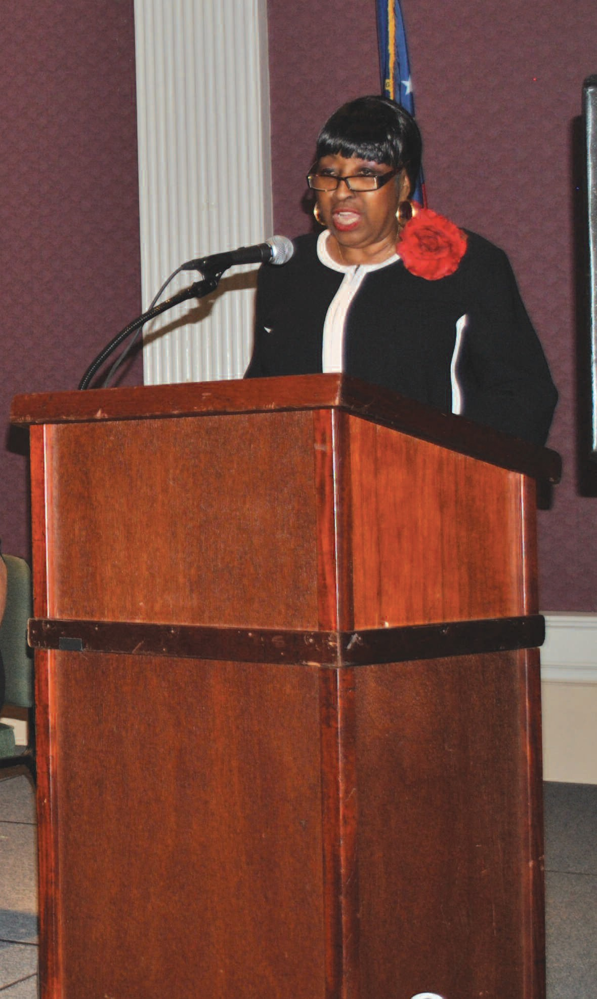 Mayor Edna Jackson made the opening remarks