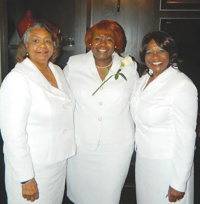 Grayzel Lavone Ellison (center) with Savannah Chapter President, Ms. Beverly M. Hall (right) and the chapter's Immediate Past President, Dr. Connie S. Cooper (left).
