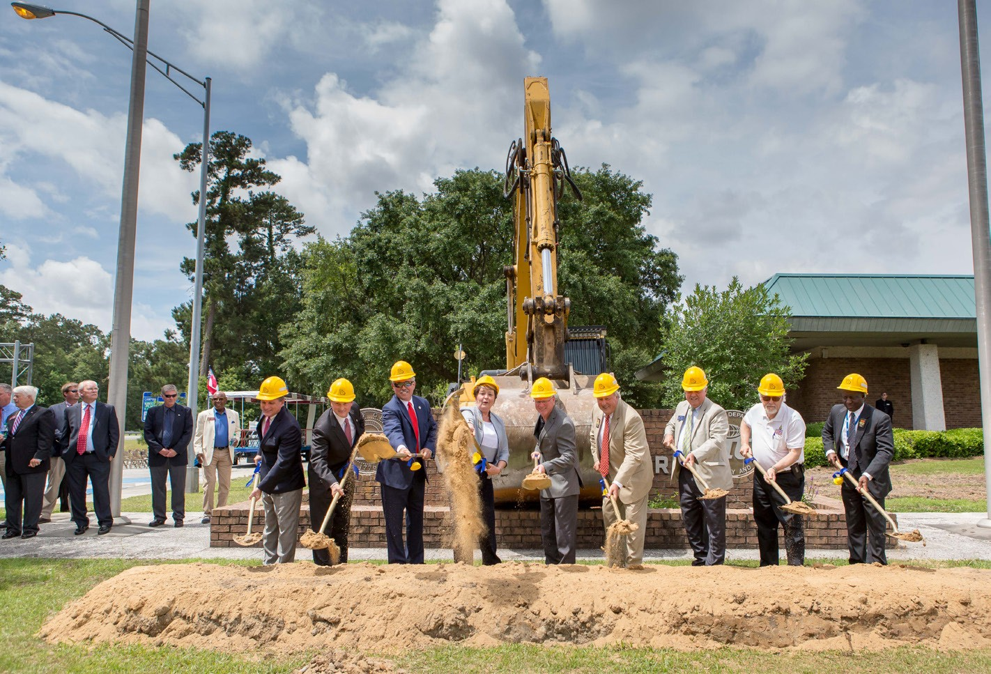 The Georgia Department of Transportation held a ground breaking ceremony last Tuesday for the new I-95 Welcome Center in Chatham County to be located at Mile Marker 111I-95 South, Port Wentworth, GA.