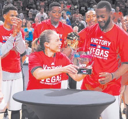 Becky Hammon Awarding Jonathan Simmons MVP Honors