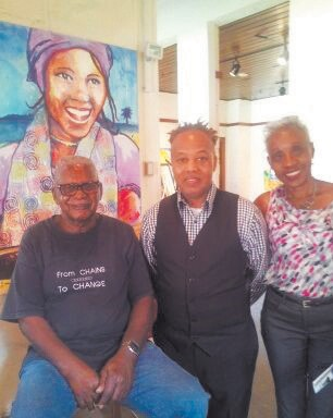 Penn Center Tour Guide, Robert Middleton, Friends of African American Arts Board Members Calvin Thomas and Louise Wyche